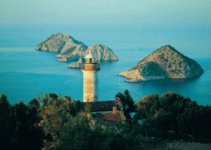 Gizemli bir dünyadır Gelidonya Feneri bölgesi. İlahi vergidir Gelidonya Feneri bölgesindeki güzellikler