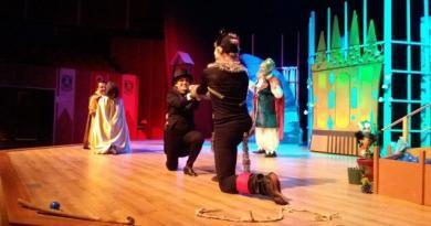 Teknoloji tiyatro sahnelerini saniyede değiştiriyor