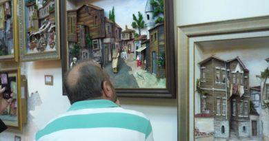 ismek sergisinde üç boyutlu resimler rölyef bölümünde ilgi çekiyor