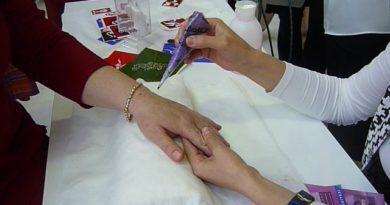 el üzerinde hint kınası tasarım sanatı, henna