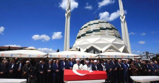 Tarihçi-Mütefekkir Mehmet Niyazi Özdemir ebediyete uğurlandı